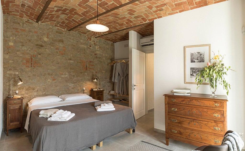 cruarnulfo-bedroom